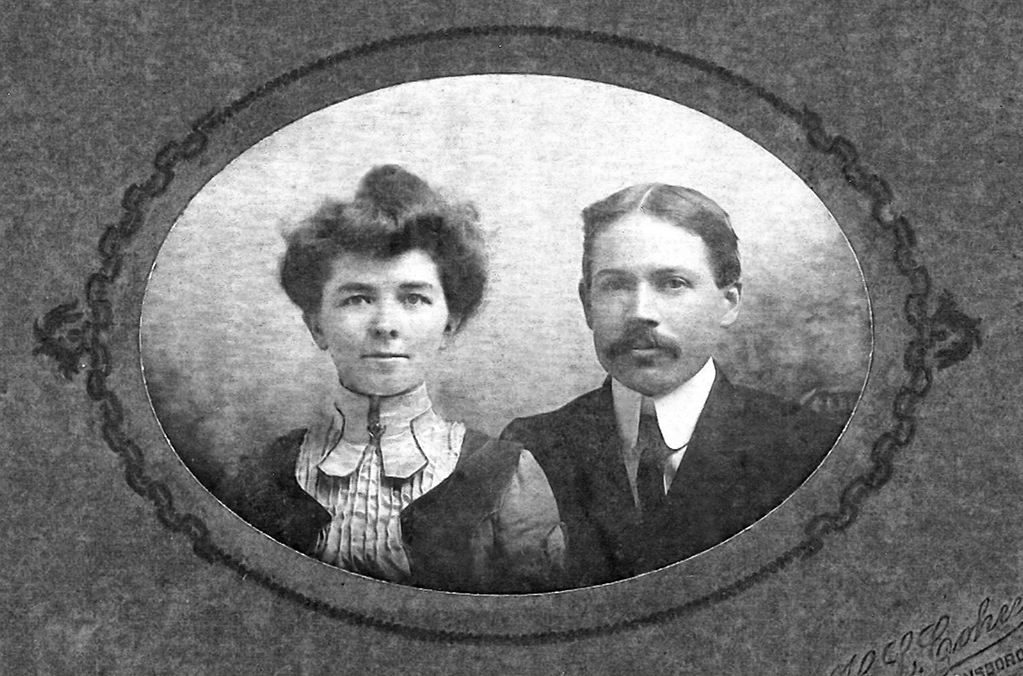 Winfield and Carrie W. White, ca. 1905