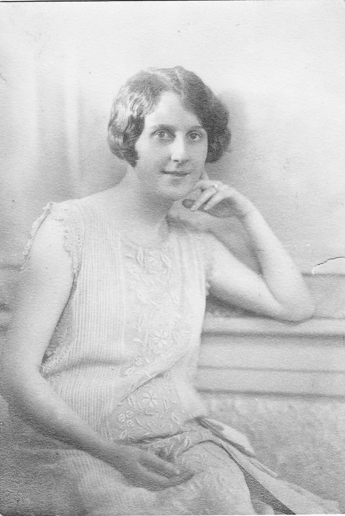 Sarah Chandler Hamilton in wedding dress, 1925 (courtesy William Chandler Hamilton, Jr.)