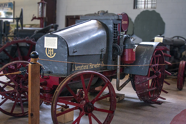 International Harvester Co. Model 8-16 (1914 - 1922)