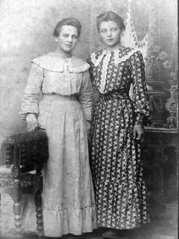 Marie Kristine Nielsen is at the right, sister Mary is on the left (courtesy Robert Mark Hopkins).